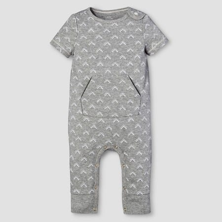 Such a cute outfit for a baby boy or girl! Love the little pocket! Short Sleeve Romper | The Mom Friend's 5 Favorite Things from the Nate Berkus for Baby at Target | themomfriend.com