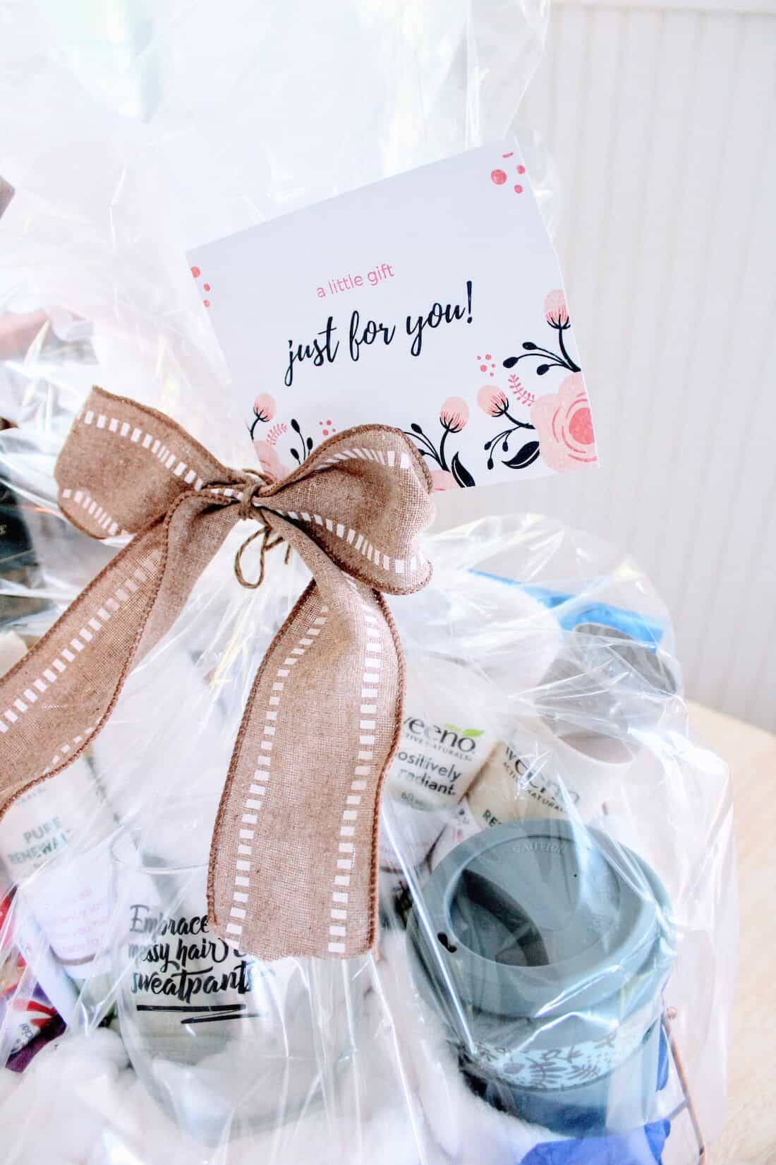 """How to Make a New Mom """"Treat Yourself"""" Gift Basket 