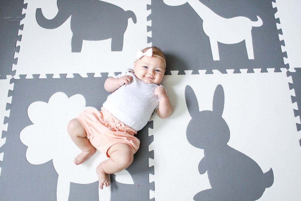 10 Easy Activities To Play With A Newborn 0 3 Months
